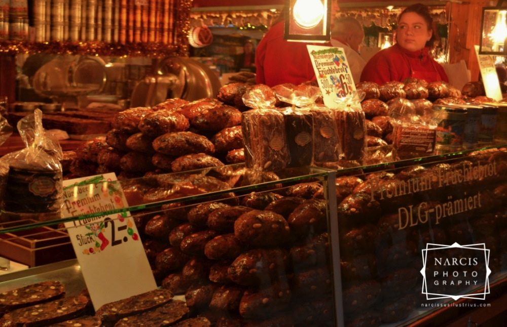 12_jpg_Nurnberg-Christmas-Market-by-Narcis_Lupou
